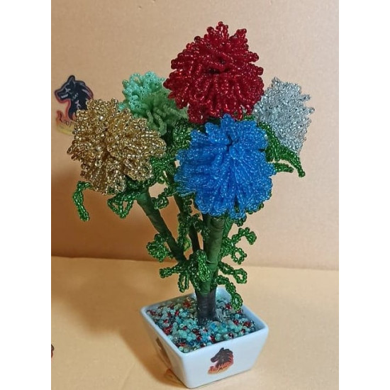 Carnations made of sand beads of different colors. Made of precious sand beads with 0.35mm green wire and green flower adhesive tape. Bouquet height 16-18 cm.