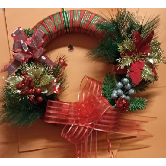 Straw Christmas wreath.