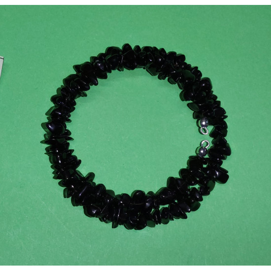 Black onyx chip bracelet. The bracelets are made by hand on memory wire. Universal size.