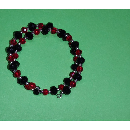 Black faceted crystal bracelet, black and red acrylic pearls, silver beads.