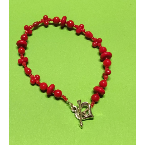 Bracelet about 18-20 cm made of coral spheres,