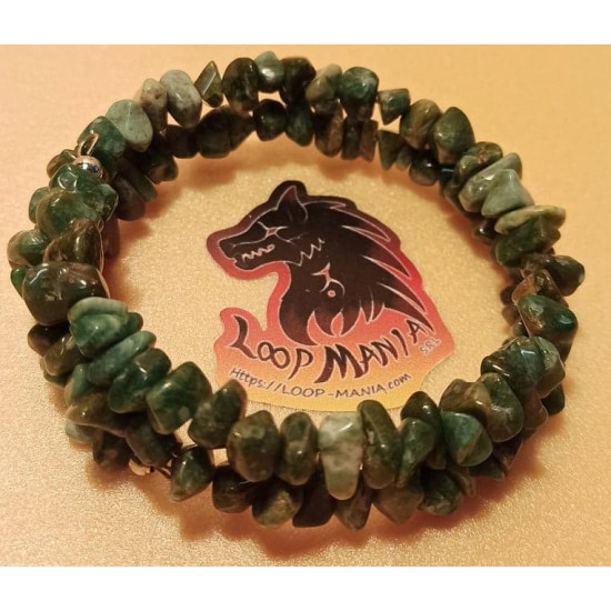 Bracelet 5-8 mm chips, african jade, tibetan silver spacer. The bracelets are made by hand on memory wire, 2 turns.