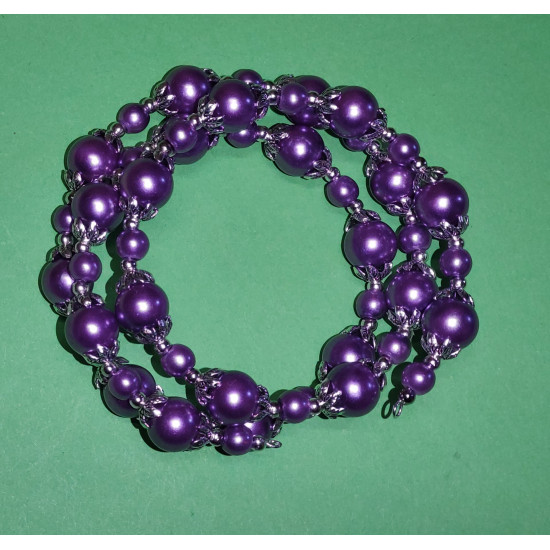 Bracelet 3 turns. Pearls in purple  glass, and Tibetan silver caps.