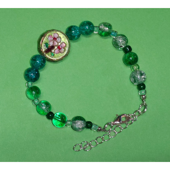 Bracelet about 19 cm with green glass beads ,beads glass crackle green-white.