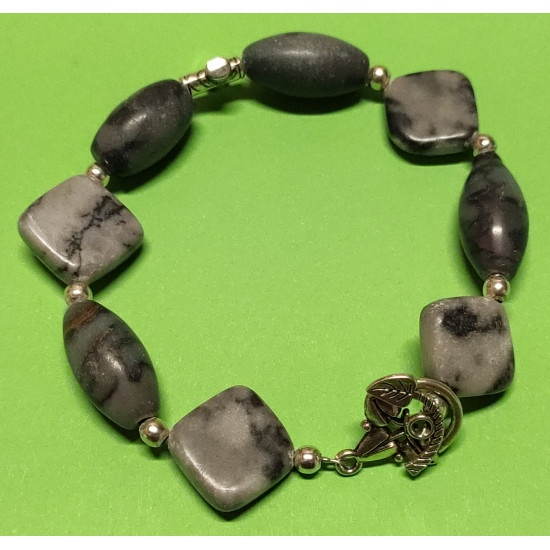 Bracelet about 21 cm with rhombus semiprecious stones and gray barrels