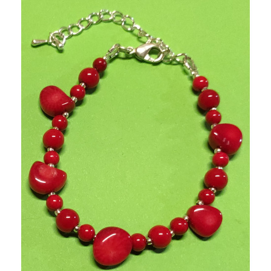 Bracelet about 16 cm + 5 cm extension chain, with patchy coral beads