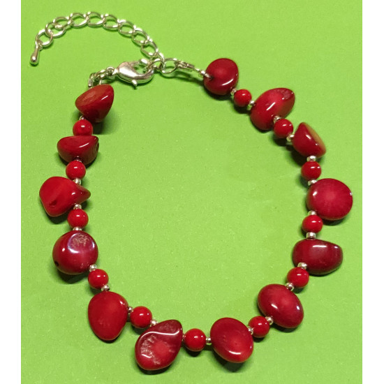 Bracelet about 18 cm + 5 cm extension chain, with patchy coral beads