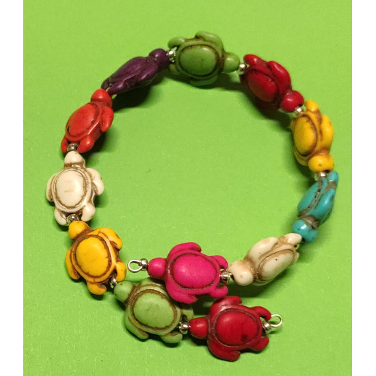 Turtle howlit bracelet made on memory wire. Universal size.