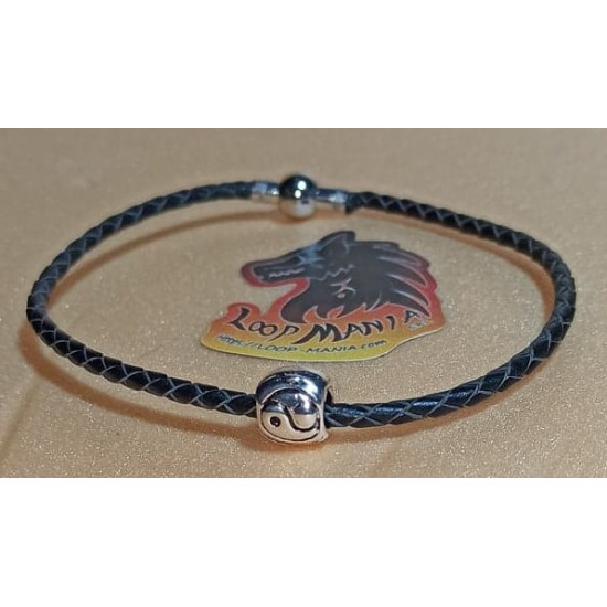 Tibetan silver beaded leather bracelet. Made of natural leather 1 thread 2mm with metal beads made of Tibetan silver. Size 20-22cm with silver magnetic clasps or silver lobster.