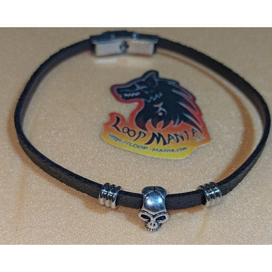 Natural leather cord bracelet. Made of 4 mm black leather cord, stainless steel spacer, silver metal beads and stainless steel band clasps. Model size 1 = 22.2 cm, model 2 = 22.2 cm, model 3 = 22.2 cm, model 4 = 23 cm, model 5 = 22.2 cm, model 6 = 22.2 c