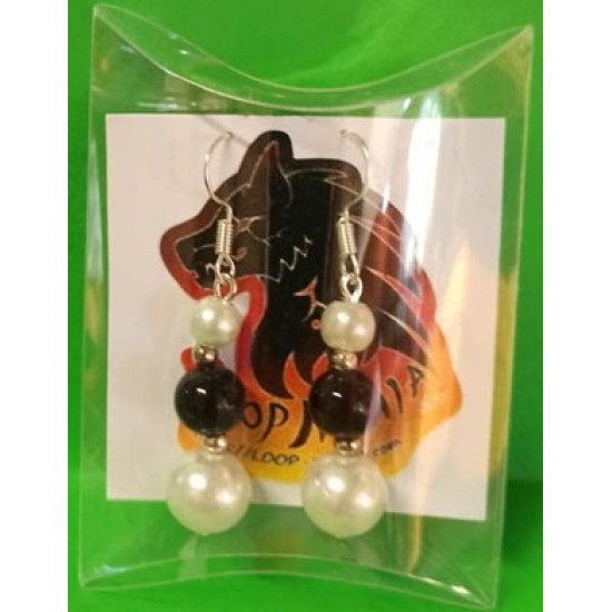 Earrings with glass and acrylic pearls, made of silicone wire, cakes and silver accessories.