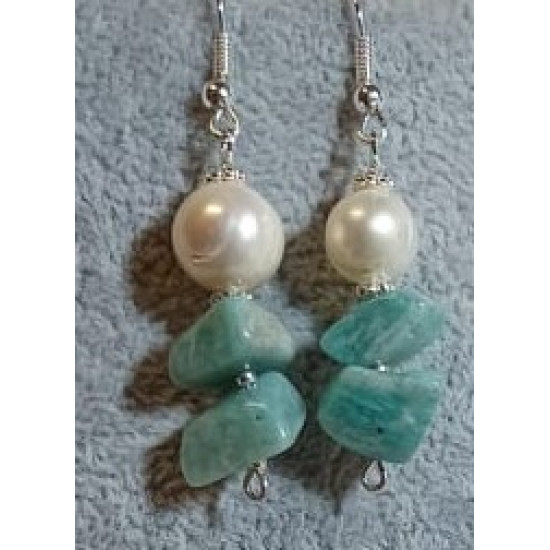 Earrings made of large amazonite chips and natural cultured pearls with spacers and silver-plated cakes.   CER036-1 = 5 cm,   CER036-2 = 5 cm.