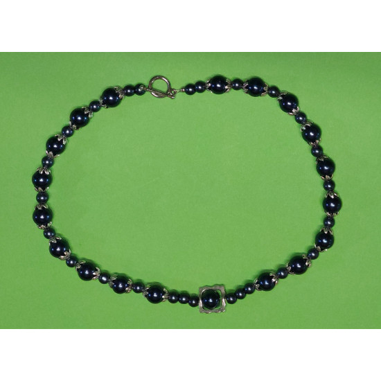 Necklace about 43 cm. Dark blue glass beads,