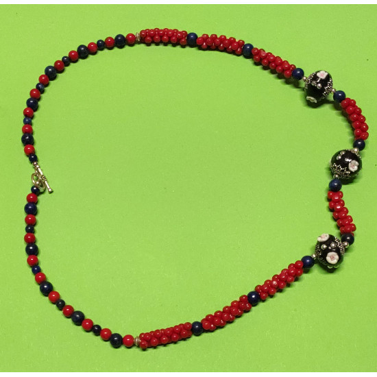 Necklace about 55 cm, red and blue coral.