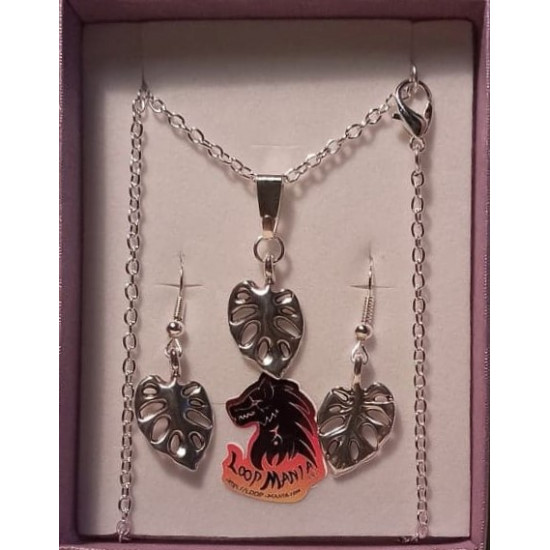 Jewelry set. Chain and earrings with silver plated necklace base 51cm long, za 3x2mm, metallic ornament (charm) DQ leaf 20x12mm, plated with antique silver and twisted fishhok earrings with bow, silver plated brass, 17 mm.