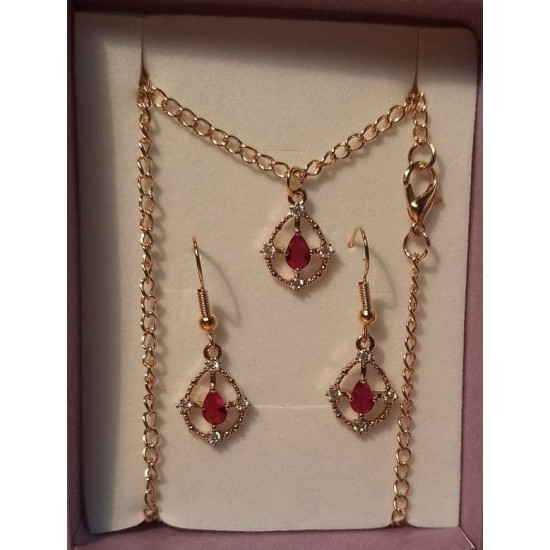 Chain and earrings with gold metallic pendant with red tear rhinestone, 17x12.5x3.5mm, gold plated necklace base 46cm long, za 4x2,5mm and simple gold plated cakes 22x11mm.