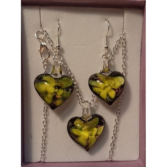 Chain and earrings with black murano with blue flower, heart 33x24x10mm, black murano with yellow flower, heart 27x20x11mm, black murano with green flower, heart 33x24x10mm, black murano with pink flower, heart 27x20x11mm, silver plated necklace base 51x