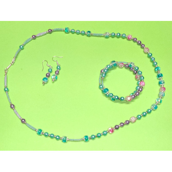 Set: necklace-earrings-bracelet: necklace about 65 cm, fuchsia-white crackle glass beads,