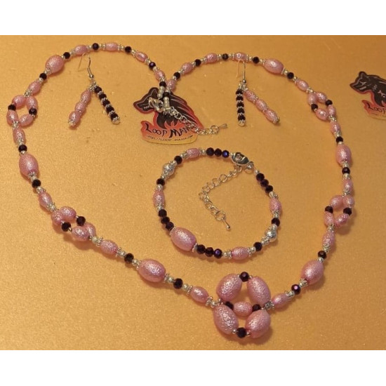 Set: necklace-earrings-bracelet made of oval pink stardust beads and electroplated biconical glass beads. Necklace about 52 cm + 5 cm extension plated with silver. Handmade on silicone wire, stardust oval beads and electroplated biconical glass beads, sil