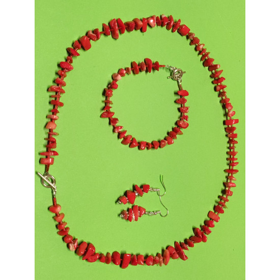 Set: necklace-earrings-bracelet. Necklace about 65 cm. from orange coral chips with silver toggle clasps.
