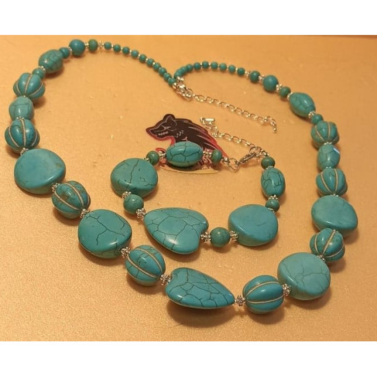 Set: necklace - bracelet. Necklace about 65 cm + 5 cm extension, 18cm bracelet + 5 cm extension, made of turquoise howlite and silver plated accessories.