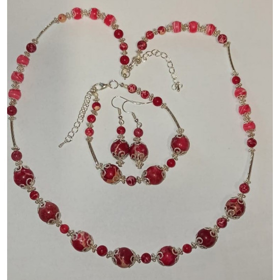 Set: necklace - bracelet. Necklace about 54 cm + 5cm extension, 19cm bracelet + 5cm extension, made of royal imperial jasper and silver plated accessories.