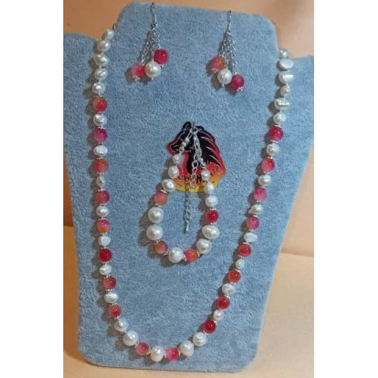 Set: necklace-earrings-bracelet made of white natural pearls and translucent jade fuchsia-white-orange. Necklace about 55 cm + 5 cm extension plated with silver, handmade on silicone wire made of natural pearls (culture), translucent jade fuchsia-white-or